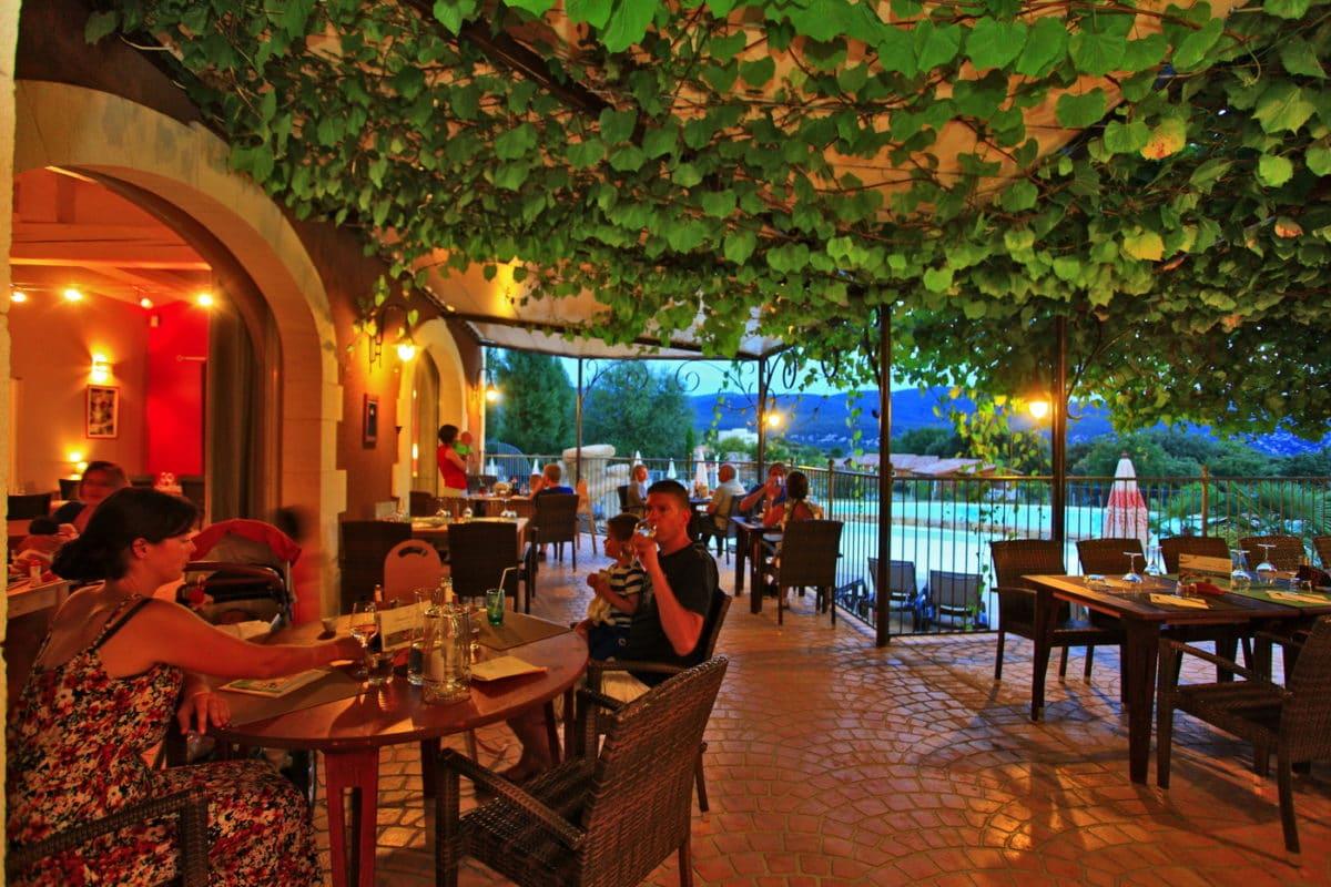 domaine sevenier camping 5 etoiles ardeche restaurant galerie photo13 1200x800 - Gallery