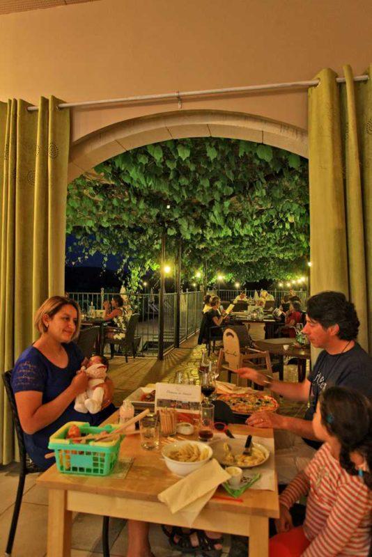 domaine sevenier camping 5 etoiles ardeche restaurant galerie photo21 534x800 - Gallery