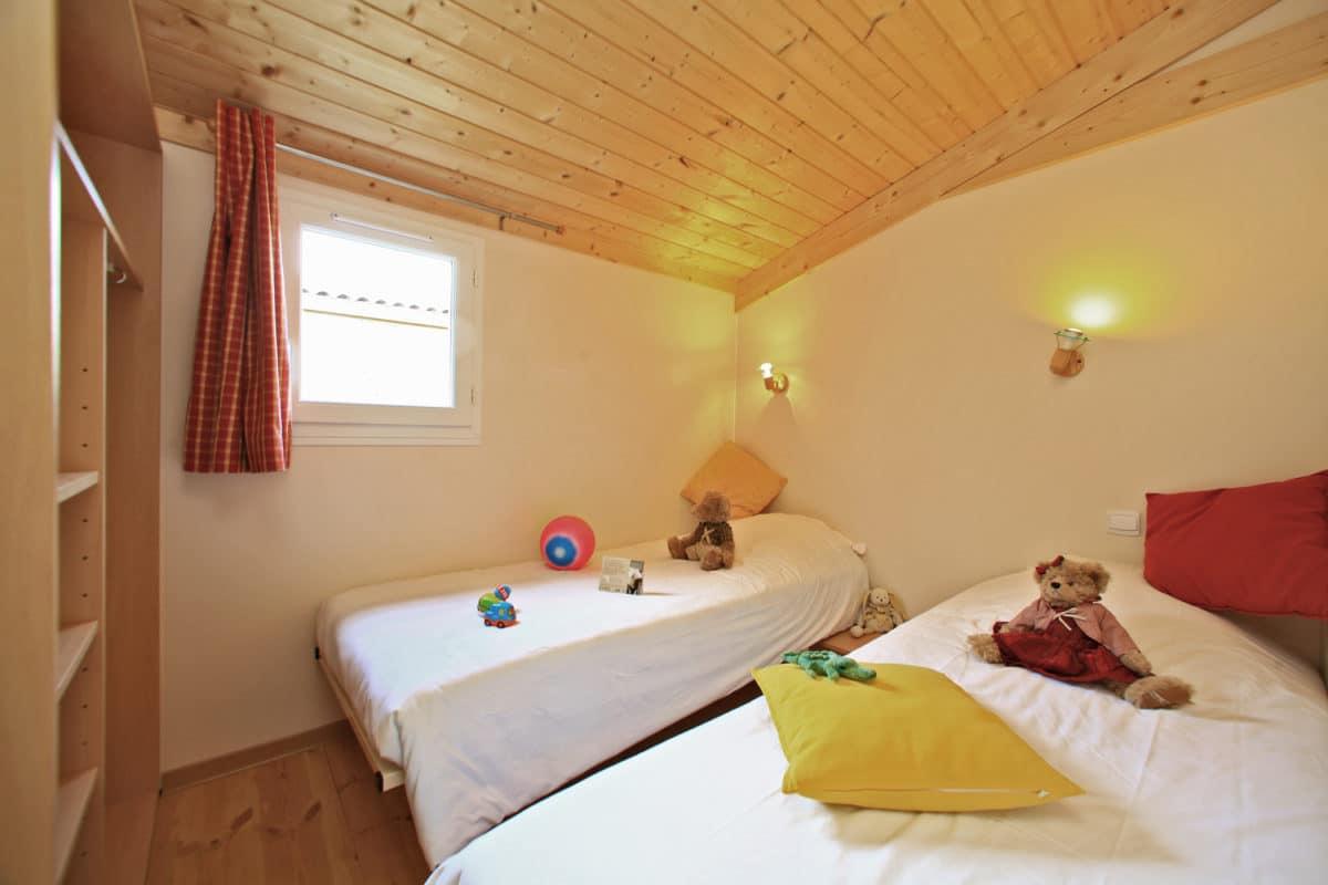 domaine sevenier camping location vacance en ardeche chalet chene vert 17 1200x800 - Gallery