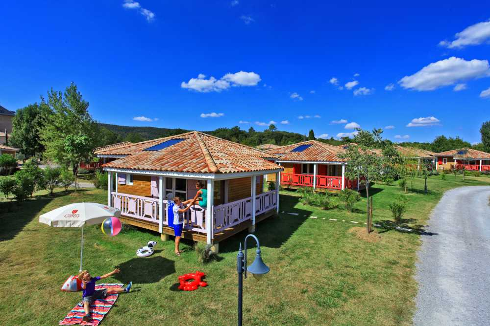 domaine sevenier camping location vacance en ardeche chalet micoucoulier 2 - Gallery
