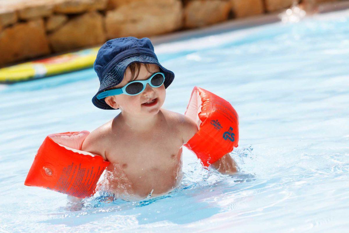 domaine sevenier camping 5 etoiles ardeche piscine galerie photo 7 1200x800 - Swimming pool
