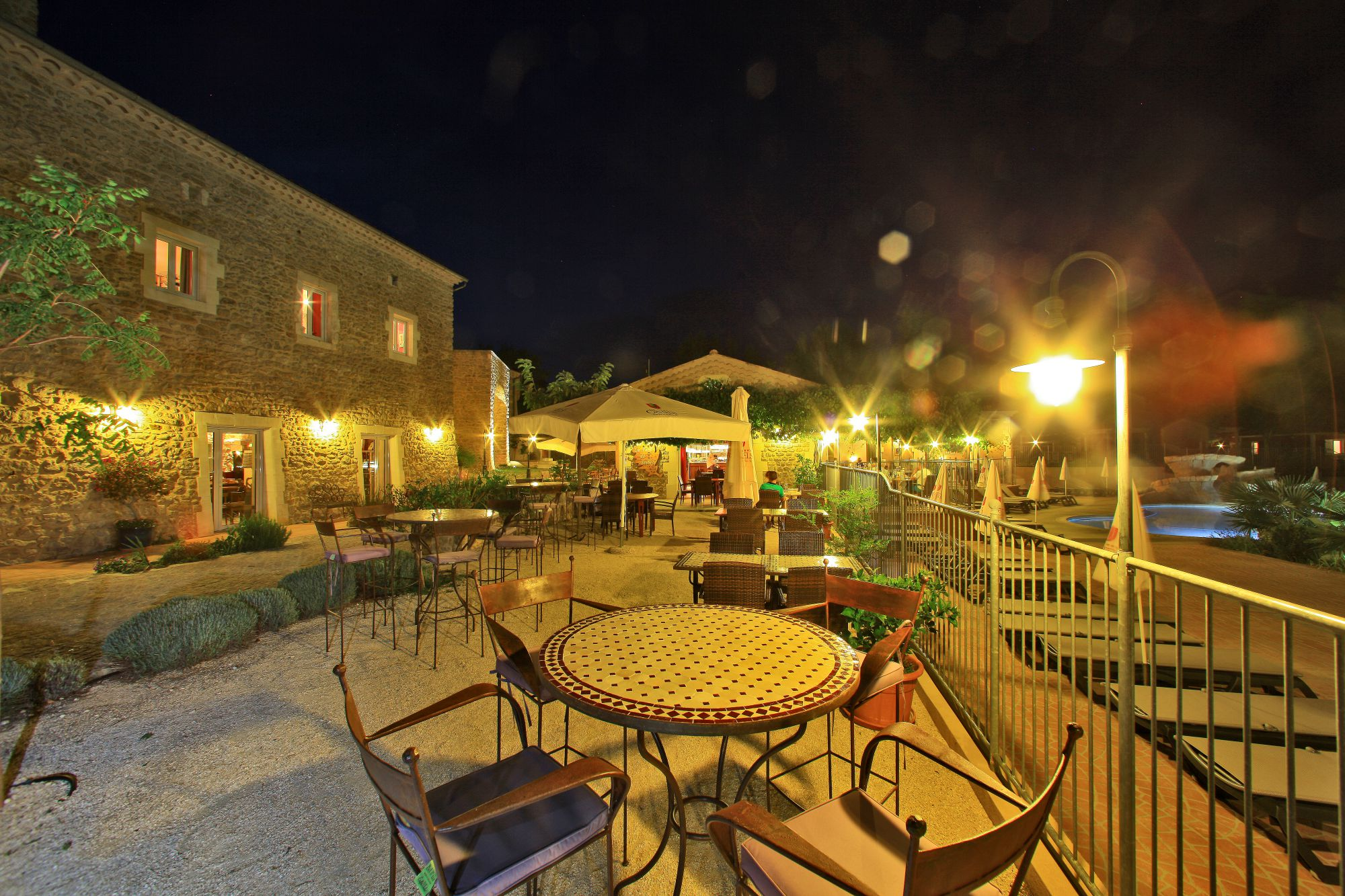 domaine sevenier camping 5 etoiles ardeche restaurant galerie photo4 - On site