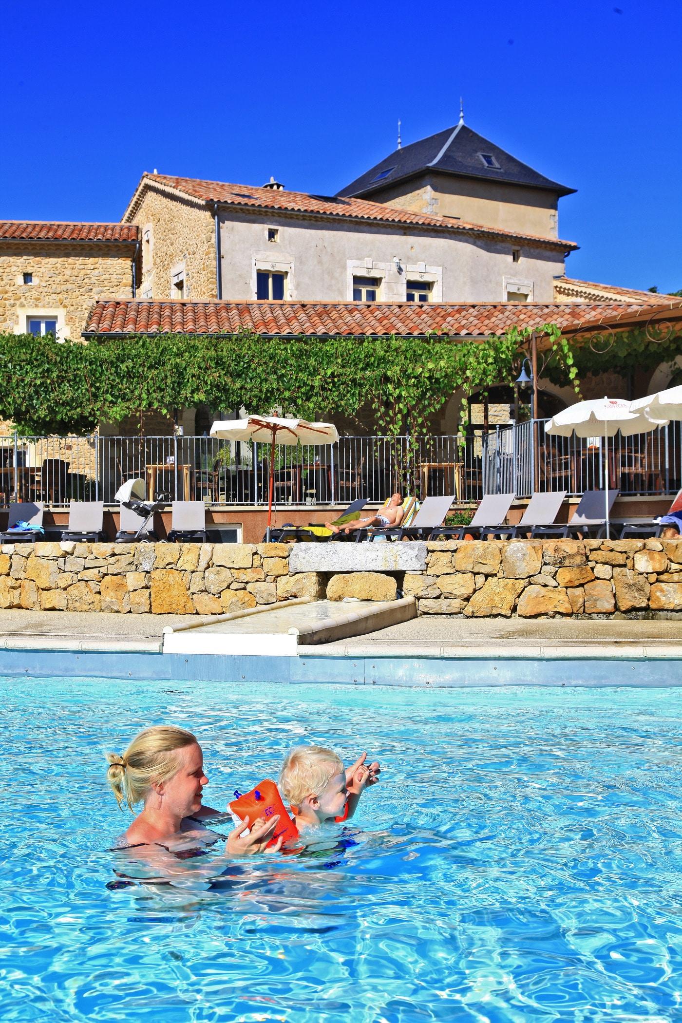 camping 5 étoiles en Ardèche avec piscine