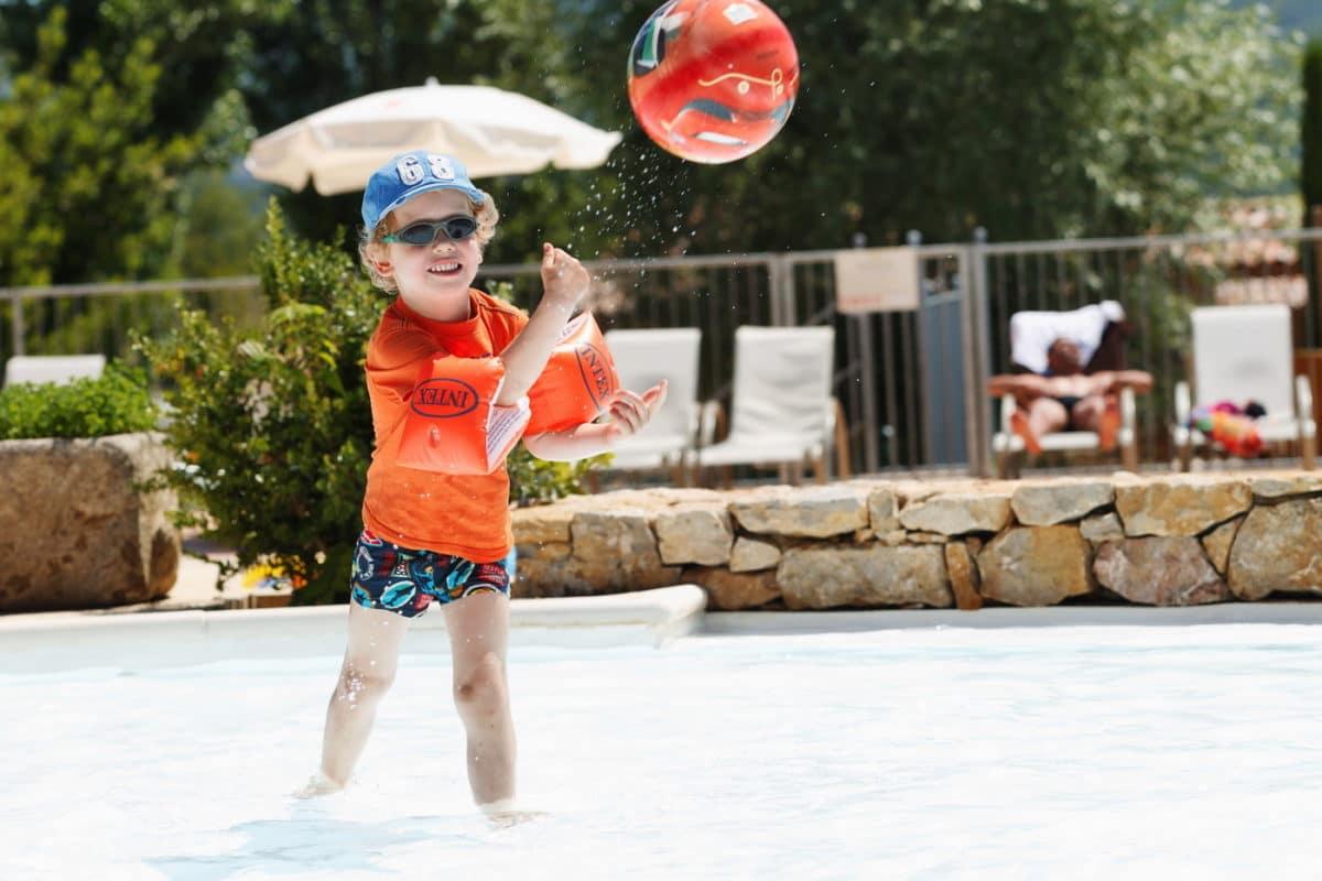 domaine sevenier camping 5 etoiles ardeche piscine galerie photo 19 1200x800 - Swimming pool