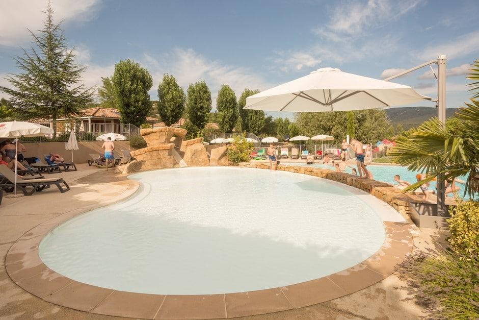 domaine sevenier camping 5 etoiles ardeche piscine galerie photo 21 - Swimming pool