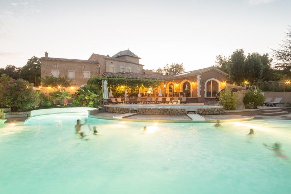 domaine sevenier camping 5 etoiles ardeche piscine galerie photo 22 - Swimming pool
