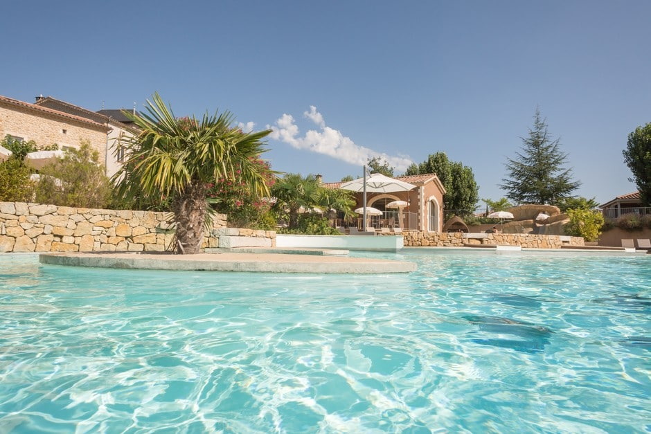 domaine sevenier camping 5 etoiles ardeche piscine galerie photo 24 - Swimming pool