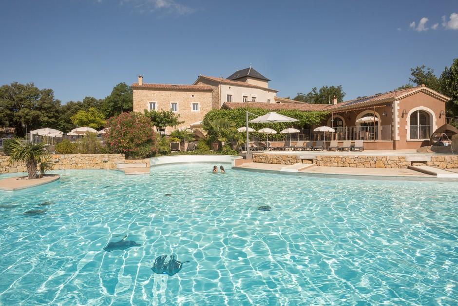 domaine sevenier camping 5 etoiles ardeche piscine galerie photo 25 - Swimming pool