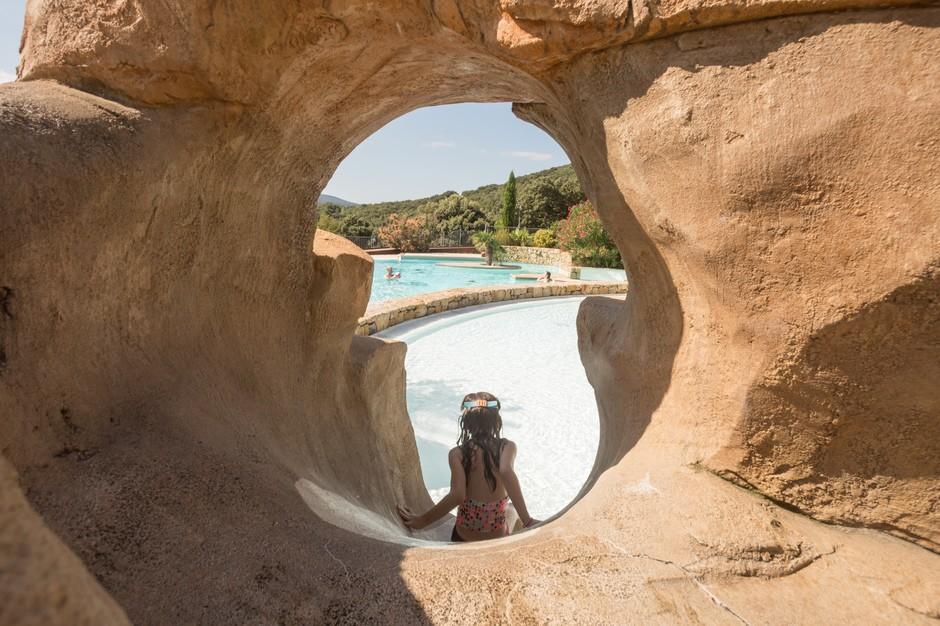 toboggan du camping Ardèche avec piscine