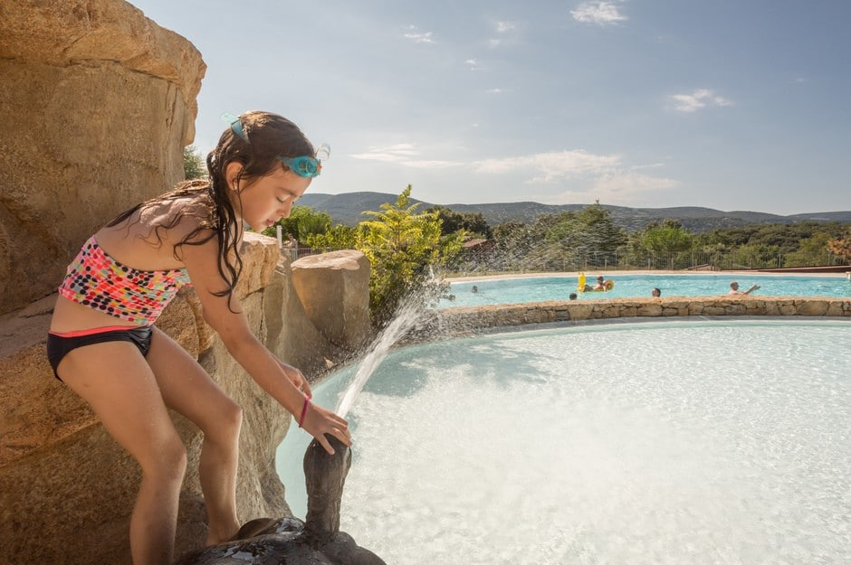 domaine sevenier camping 5 etoiles ardeche piscine galerie photo 29 - Swimming pool
