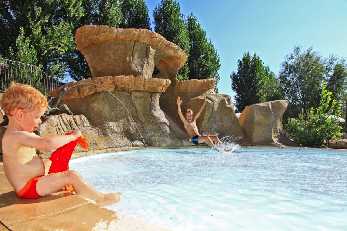 domaine sevenier camping 5 etoiles ardeche piscine galerie photo 9 1200x800 - Swimming pool