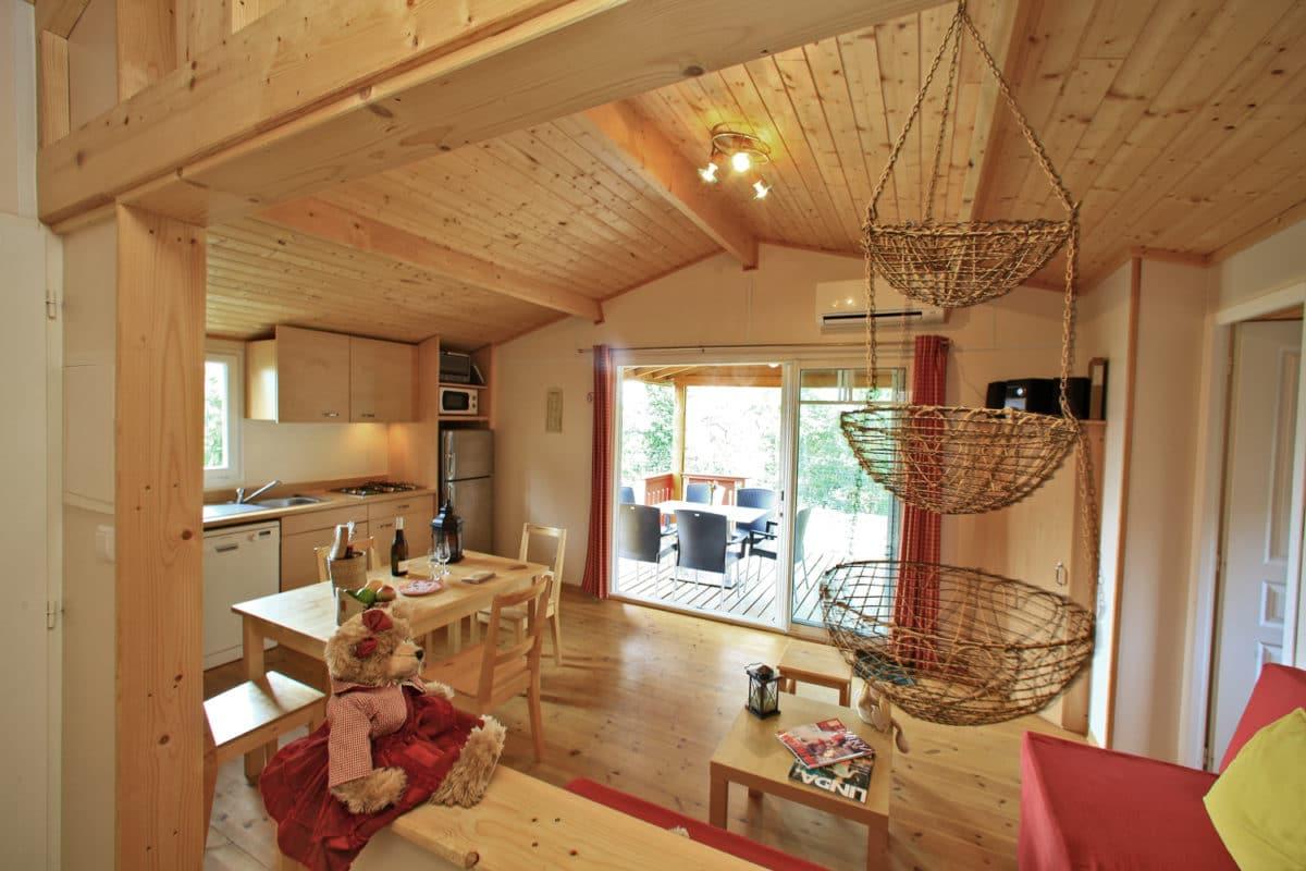 domaine sevenier camping location vacance en ardeche chalet chene vert 13 1200x800 - Gallery