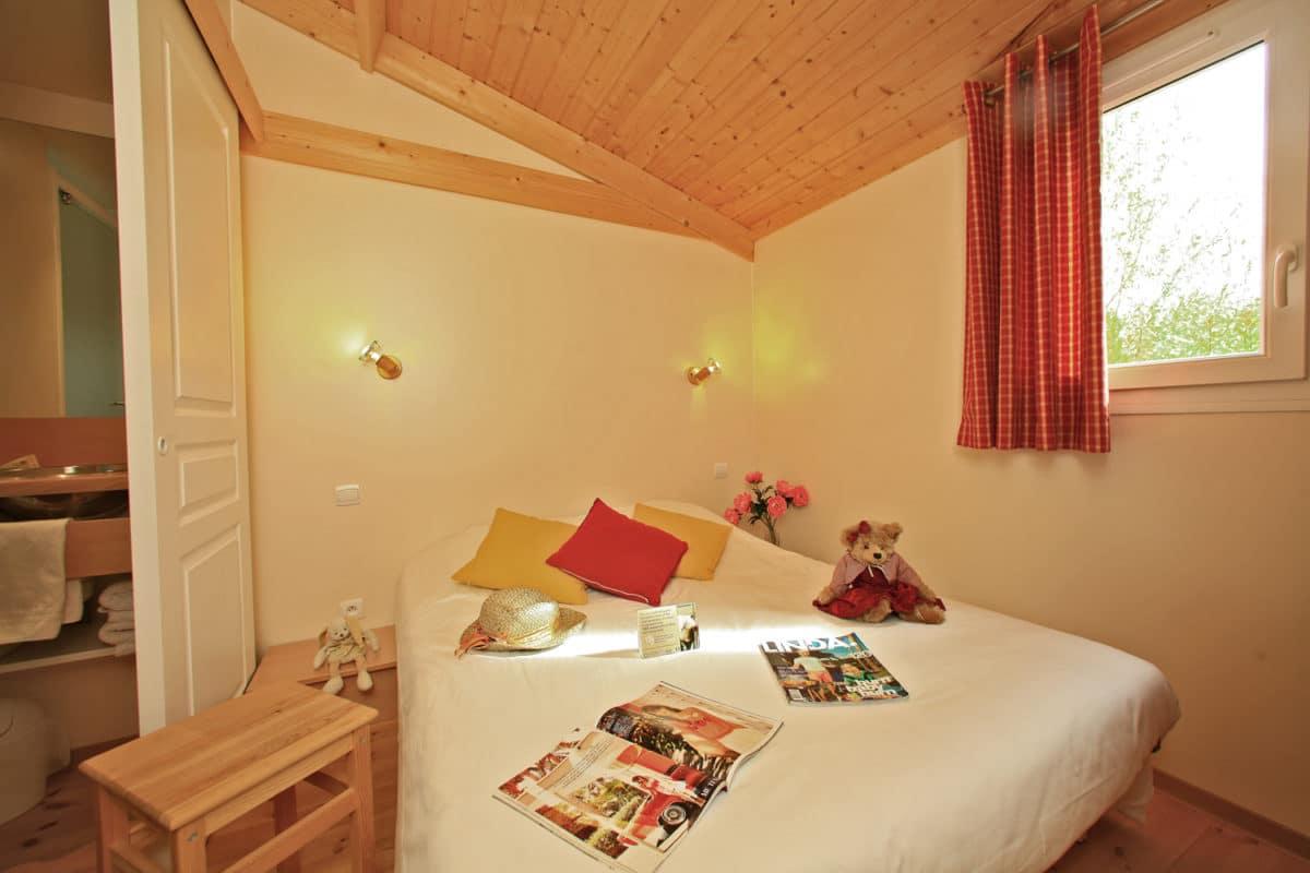 domaine sevenier camping location vacance en ardeche chalet chene vert 15 1200x800 - Gallery
